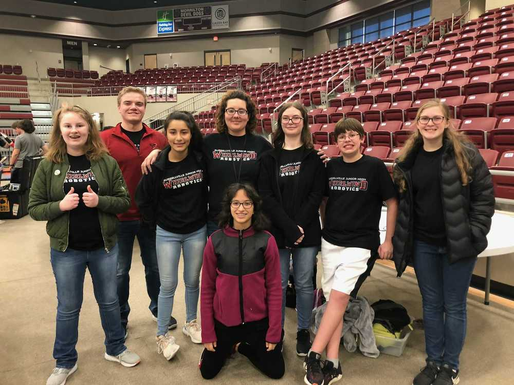 RJHS 8th grade Robotics team qualifies for state!