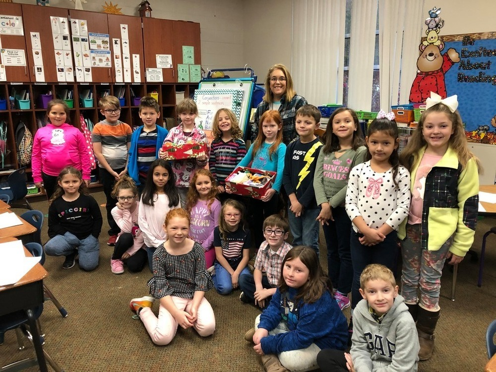 Dwight students donated shoeboxes for Operation Christmas Child