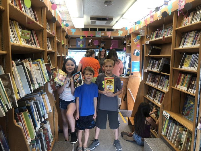 Bookmobile picture