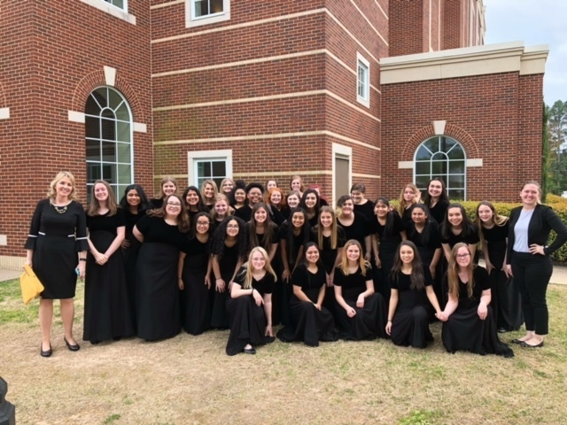 RJHS Girls Choir smiling